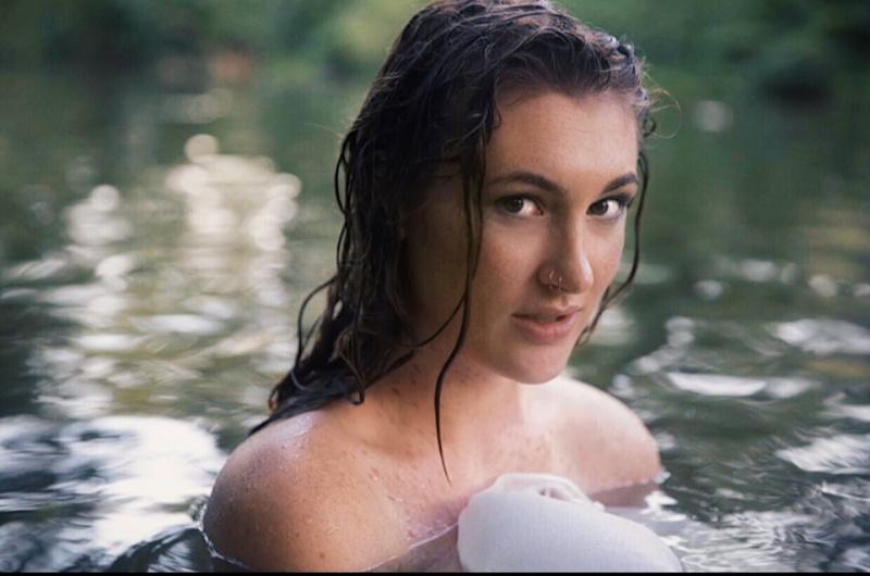 Female model photo shoot of jessielee