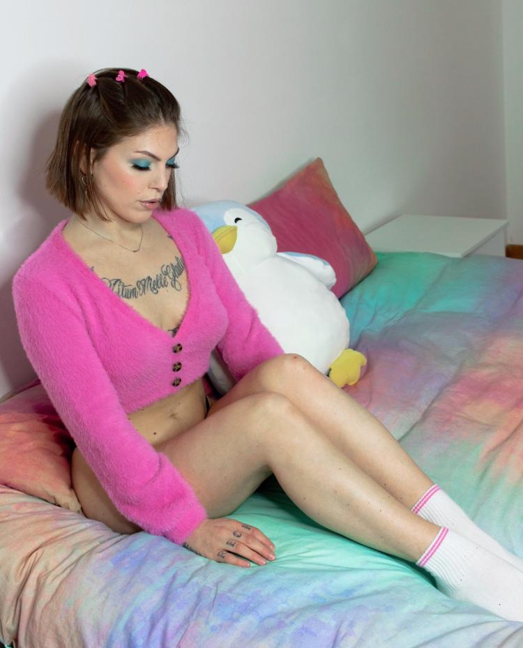 Female model photo shoot of vanessapiemonte