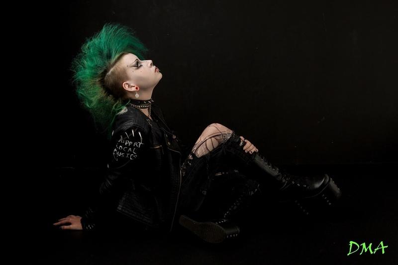 Female model photo shoot of Aliceobsidian in Malvern