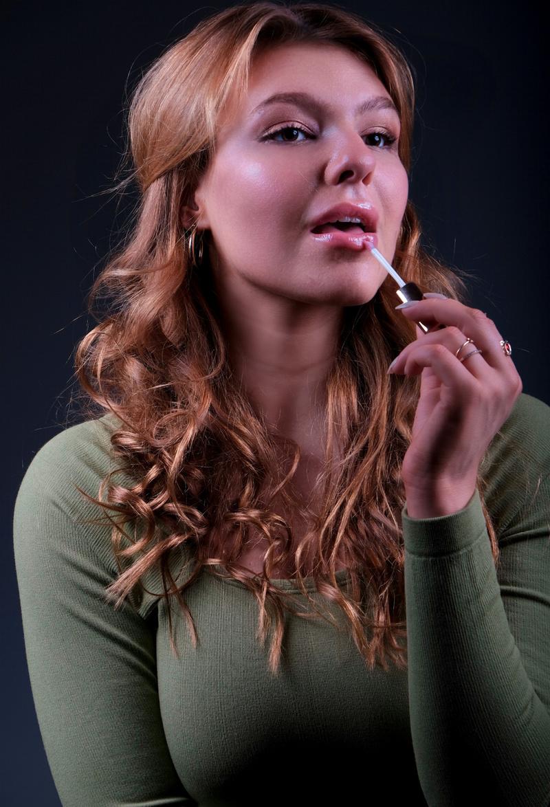Female model photo shoot of Leahpostol