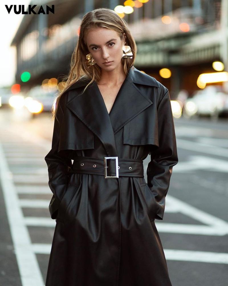 Female model photo shoot of Diana Borisova