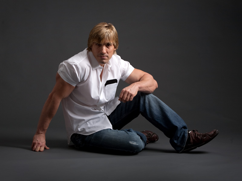 Male model photo shoot of JaxsonCon