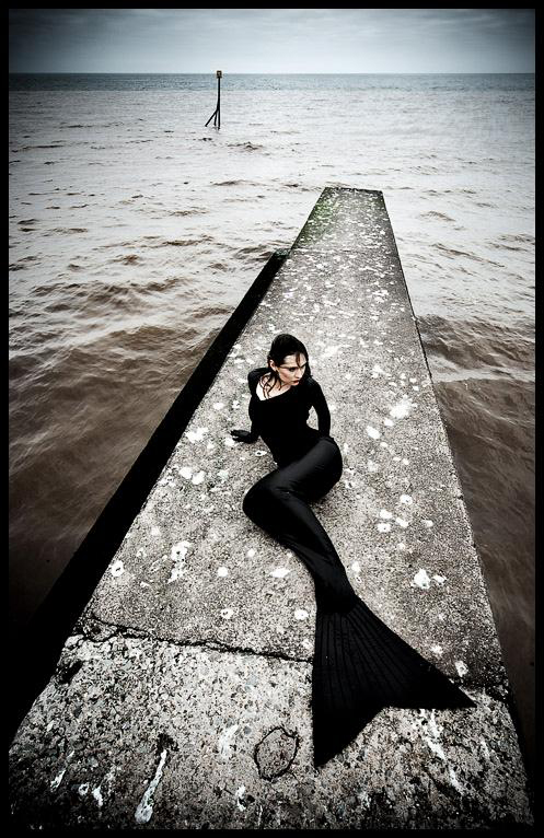 http://photos.modelmayhem.com/potd/entrants/090206/potd-090206-32592-big.jpg