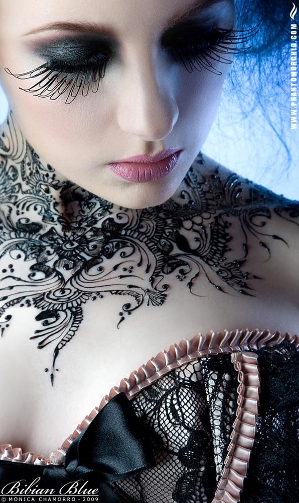 http://photos.modelmayhem.com/potd/entrants/090329/potd-090329-50256-big.jpg