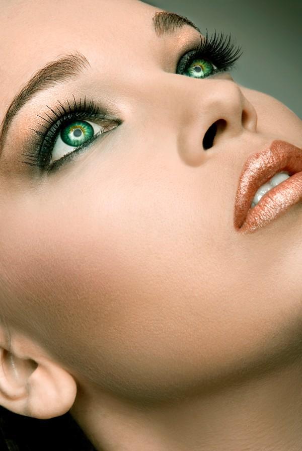 http://photos.modelmayhem.com/potd/entrants/090411/potd-090411-54948-big.jpg