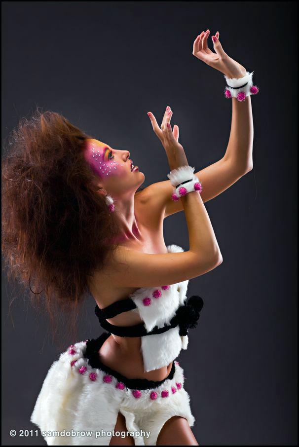 http://photos.modelmayhem.com/potd/entrants/110806/potd-110806-400129-big.jpg