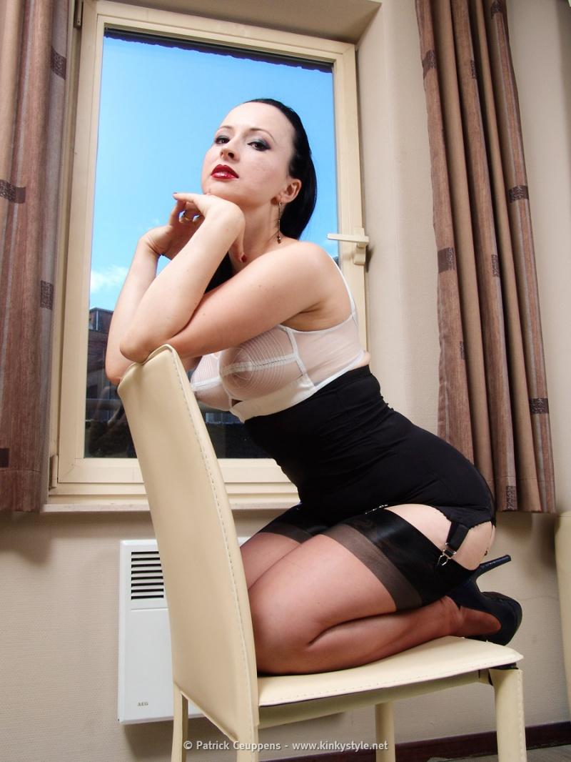 Where Professional Models Meet Model Photographers - ModelMayhem: www.modelmayhem.com/contests/potd/preview/404347