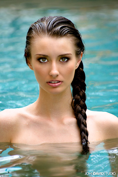 http://photos.modelmayhem.com/potd/entrants/110828/potd-110828-406603-big.jpg