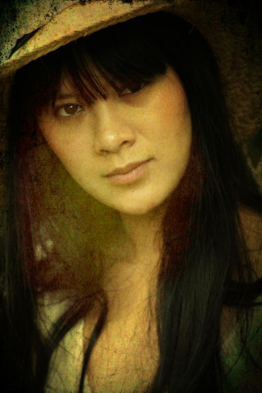 http://photos.modelmayhem.com/potd/entrants/121203/potd-121203-499789-big.jpg