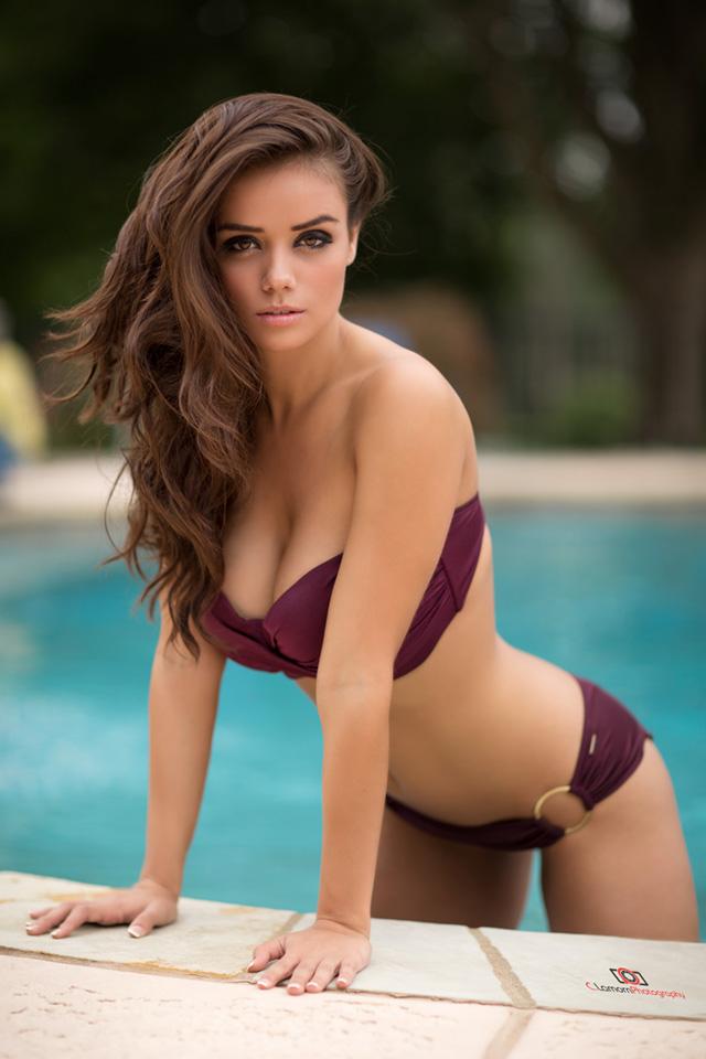 http://photos.modelmayhem.com/potd/entrants/151130/potd-151130-639759-big.jpg
